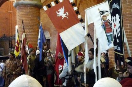 la processione dopo la santa messa in chiesa abbaziale