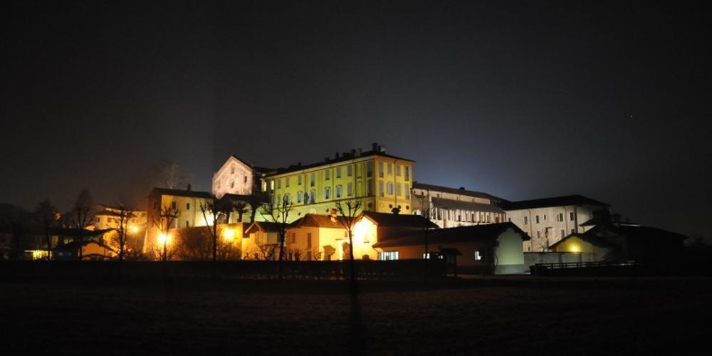 l'abbazia in notturna